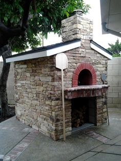 Zio Ciro - Wood Fired Ovens - Professional, Residential or Portable for Pizza, BBQ and Bread. Design your ideal high quality Pizza Oven, Made in Italy. Diy Pizza Oven, Pizza Oven Outdoor, Pizza Ovens, Pizza Bake, Outdoor Cooking, Wood Oven, Wood Fired Oven, Bread Oven, Four A Pizza