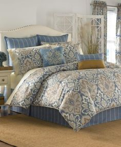 Cal king bedding sets - Standard bed sizes are not always standard from country to country. This difference in size can be a problem when you shop online More Ideas Cal King Bedding Sets Bed Bath & Beyond, Blue Comforter Sets, Queen Comforter Sets, Floral Comforter, Croscill Bedding, Console, European Pillows, Bedding Collections, Bed Spreads