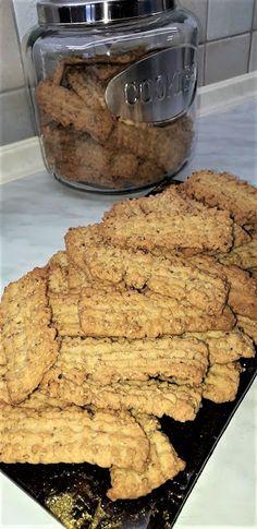 Greek Sweets, Greek Desserts, Greek Pastries, Biscotti Cookies, Pastry Cake, Sweet Recipes, Biscuits, Cooking, Gymnastics