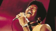 Aretha Franklin: The Queen of Soul is retiring to spend time with her family - BBC News