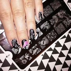 """#naillandmani #moyoulondon #mundodeunas #moyra #flamingo #nailstamping #nailstampingart"" Photo taken by @palmakamilla on Instagram, pinned via the InstaPin iOS App! http://www.instapinapp.com (05/19/2015)"