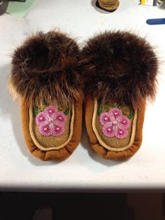 Young Ladies handmade slippers with Beaver trim. Made by Alaska Beadwork