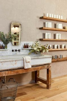 This Is What Happens When Jeremiah Brent Decorates a Beauty Boutique Jeremiah Brent has an eye for design, so when True Botanicals asked him to decorate their new San Francisco store magic happened. Step inside to see. Bathroom Inspiration, Home Decor Inspiration, Florist Shop Interior, Jeremiah Brent, Flower Shop Design, Beauty Boutique, Bathroom Interior Design, Vintage Home Decor, Rustic Decor