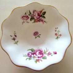 So PRETTY! Beautiful trinket dish. Perfect to be used as a soap or jewellery dish #VintageTrinketDish, #BoneChinaDish, #VintageJewelleryDish, #TrinketPot, #JewelleryHolder, #EnglishChina, #FloralChinaDish, #VintageDish.