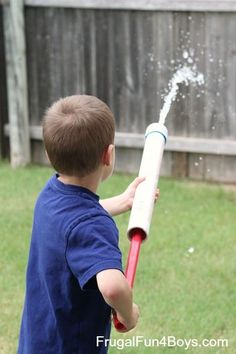 a PVC Pipe Water Shooter Toy How to make a PVC pipe water shooter - Dad is going to love this as much the kids!How to make a PVC pipe water shooter - Dad is going to love this as much the kids! Pvc Pipe Crafts, Pvc Pipe Projects, Water Activities, Summer Activities For Kids, Outdoor Activities, Water Games, Kids Toys For Boys, Diy For Kids, Children Toys