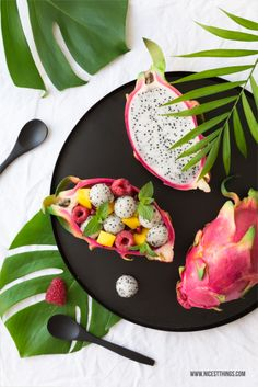 Obstsalat in der Pitahaya