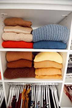 The upper shelves are my sweaters which are color coordinated and that, to me, is what dreams are made of lol. Spare Room Closet, Master Closet, Closet Space, Linen Closet Organization, Kids Room Organization, Organizing Ideas, Color Coordinated Closet, Organizar Closet, Closet Colors