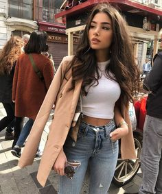pea coat added to a casual outfit makes it seem more dressed up Winter Fashion Outfits, Fall Winter Outfits, Look Fashion, Autumn Fashion, Summer Outfits, Summer Date Night Outfit, Night Out Outfit, Nyc Fashion, Instagram Outfits