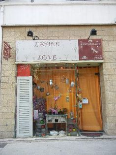 L'EPICE AND LOVE  Avignon restaurant open on Monday nights....