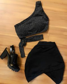 Visit Us : www. Cute Lazy Outfits, Edgy Outfits, Skirt Outfits, Teen Fashion, Womens Fashion, Clubbing Outfits, Teenager Outfits, Swagg, Aesthetic Clothes