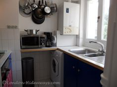 Kitchen Furnished Apartments, Small Fridges, Holiday Lettings, Microwave Oven, Bloomsbury, Cookware, Kettle, Freezer, Dinnerware