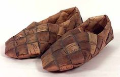 Worn as an overshoe to protect more costly leather shoes, birch bark shoes lasted about a week. Louis Xiv, Mountain Climbing Gear, Shoe Boots, Shoes Sandals, Flat Shoes, Narrow Shoes, Weaving Designs, Shoe Last, Birch Bark