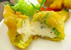 The zucchini blossoms are now used as a main ingredient in the Italian cuisine: the so-called fiori di zucca and the torta (salt pie) come with excellent other elements such as mozzarella, anchovy, and ricotta.