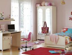 Organizing kids' bedrooms