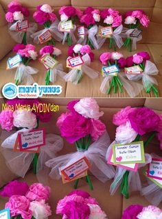 Paper Flower Bouquet Craft for Kids – Back to School Crafts – Grandcrafter – DIY Christmas Ideas ♥ Homes Decoration Ideas Valentine Crafts For Kids, Fathers Day Crafts, Easter Crafts, Happy Mom Day, Back To School Crafts, Fish Crafts, Tissue Paper Flowers, Flower Template, Pink Paper