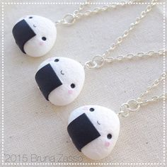 Collana Onigiri ~ Cute Kawaii 御握り  おにぎり Necklace Fimo Polymer Clay Polpetta di Riso Japan Bianco Nero Regalo Chibi Faccina Fake Food
