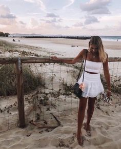 It's late summer urf lesson is free How are you, couple? It's late summer and we're offering free surfing lessons. Trendy Outfits, Summer Outfits, Cute Outfits, Fashion Outfits, 2000s Fashion, Fashion Tips, Modest Fashion, Men Fashion, Bild Outfits