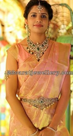 gorgeous girl wearing tissue saree with pink Base. Indian Wedding Jewelry, Bridal Jewelry, Gold Jewelry, India Jewelry, Jewelery, Diamond Jewellery, Indian Bridal, Saree Jewellery, Bridal Sari
