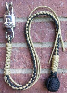 Get Back Whip for Motor Cycles Paracord Knots, Paracord Bracelets, Paracord Projects, Paracord Ideas, Get Back Whip, Lanyard Tutorial, Scouts, Biker Gear, Parachute Cord