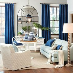 7 easy ideas on how to incorporate Pantone blue into your home - Daily Dream Decor Living Room Mirrors, Living Room Decor, Bedroom Decor, Living Area, Colourful Living Room, Living Room Update, Pedestal Dining Table, Blue Rooms, Home Office Design