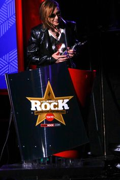 HIDEとTAIJIに、この賞を捧げる!YOSHIKI、アジアで最も影響力のあるアーティストに贈られる「ASIAN ICON AWARD」を受賞!!  #XJAPAN #YOSHIKI