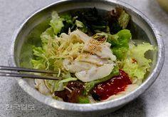 한국일보 : 생활 : 호로록 뚝딱…가격 착한 부산 면(麵)요리 3총사: SPICY BIBIM KUKSU !