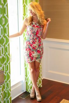 Floral perfection! Stunning, floral dress with ruched hip detail! Want, need, love!