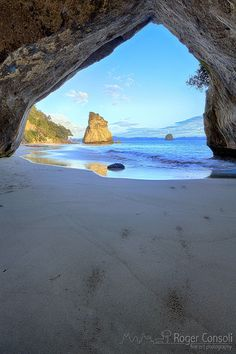Cathedral Cove in the Coromandel Peninsula - New Zealand