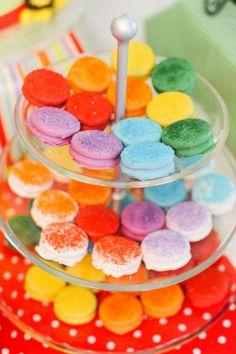 Chocolate covered oreos with sprinkles! Via Kara's Party Ideas Noahs Ark Cake, Noahs Ark Party, Party Treats, Party Cakes, Party Party, Ideas Party, Dessert Table, A Table, Twin Birthday Parties