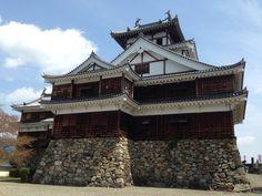 Fukuchiyama castle 福知山城(京都府福知山市) 2014-04-19 Japanese Castle, Medieval Houses, Japan Photo, Japanese Architecture, Country Estate, Japanese Culture, Business Travel, Samurai, Scenery