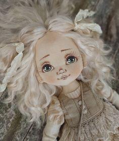 Юленька свободна 🌼 По всем вопросам обращайтесь в директ . . . . . . #кукла #текстильнаякукла #интерьернаякукла #кукладлядевочки…