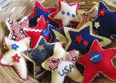 Patriotic Felt Decor. Felted Wool Star Ornaments for Christmas. Would be cute, red, white & blue for patriotic holidays. Americana Crafts, Patriotic Crafts, July Crafts, Summer Crafts, Western Crafts, Xmas Crafts, Wood Crafts, And July, Fourth Of July
