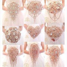 Gold Brooch Bouquet Rose Gold Wedding by Elegantweddingdecor Wedding Colors, Wedding Flowers, Wedding Dresses, Modest Wedding, Wedding Styles, Broschen Bouquets, Bridesmaid Bouquets, Peonies Bouquet, Pink Bouquet