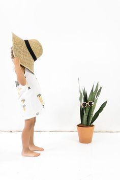 Cheap Kids Clothes Product ID: 8561347833 # Toddlers Source by rocamoradesign Kids Fashion Photography, Children Photography, Cheap Childrens Clothes, Amusement Enfants, Boys New Fashion, Fashion Hats, Kids Clothing Brands, Children Clothing, Children Toys