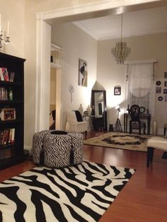 The 'Zebra Room' I personally decorated in one of my homes. I just love old Hollywood! Old Hollywood Decor, Hollywood Room, Old Hollywood Style, Old Hollywood Glamour, Retro Chic, Fashion Room, Game Room, Decor Ideas, Rooms