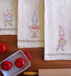 Kitchen Gnomes Dish Towel Embroideries, Wee Wonderfuls
