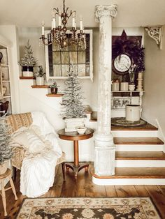 Eclectic Home Tour - House on Winchester - Kelly Elko Decoration Shabby, Shabby Chic Decor, Vintage Decor, Shabby Chic Living Room, Shabby Chic Homes, Shabby Chic Furniture, Rustic Furniture, Modern Furniture, Furniture Design