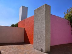 Nowness - Inside the high-modernist Home designed by Luis Barragán - http://www.theinspiration.com/2016/10/nowness-inside-high-modernist-home-designed-luis-barragan/