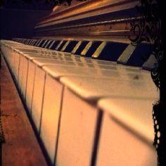 ~ antique piano