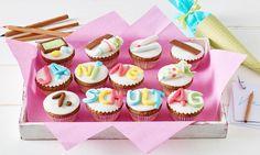 Zauberhaft dekorierte Muffins zur Einschulung