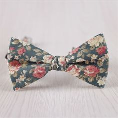 army green bowties.floral printed bowtie.self tie bow tie.vintage cotton bowties.mens cheap bowties.wedding bowties.groomsmen bowtie+bt45 by BALANCEVALUEConcertO on Etsy https://www.etsy.com/listing/252876326/army-green-bowtiesfloral-printed