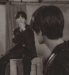 Foto Jungkook, Foto Bts, Bts Taehyung, Bts Jimin, Taekook, Old Pictures, Old Photos, Love Is, Vkook Fanart