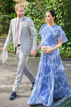 - Photo - All the best royal looks from Kate Middleton, Meghan Markle, Princess Beatrice Queen Rania, Queen Letizia, Princess Marie and more! See their gorgeous outfits here Duke And Duchess, Duchess Of Cambridge, Queen Rania, Meghan Markle Style, Royal Engagement, Pippa Middleton, Prince Harry And Meghan, Maternity Fashion, Maternity Outfits