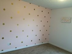 Baby Bedroom Decoration Gold Dots Ideas For 2019 Gold Polka Dot Wallpaper, Polka Dot Walls, Baby Bedroom, Girls Bedroom, Diy Bedroom Decor, Kids Room Wallpaper, Trendy Wallpaper, Bedroom Wallpaper, Toddler Rooms
