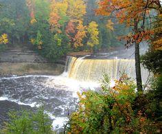 Tahquamenon Falls1 - Tahquamenon Falls - Wikipedia, the free encyclopedia