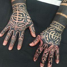 Fingered Steve today , left hand healed #eastbournetattoos #eastbournetattoo…