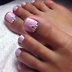 51 Lovely And Cute Wedding Pedicure Ideas To Brides - Pretty Toe Nails, Cute Toe Nails, Pretty Toes, Love Nails, My Nails, Glitter Toe Nails, Sparkle Nails, Glam Nails, Beauty Nails