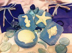 Targhette in legno blu Shabby-Chic tema mare: conchiglie in gesso. Per decorazione, bomboniere o regali., by Pain Amour et Fantaisie, 10,00 € su misshobby.com