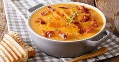 Igazi ínyencség: Édesburgonya krémleves szalonnával | Femcafe Goulash, Cheeseburger Chowder, Thai Red Curry, Sweet Potato, Soup, Potatoes, Bacon, Ethnic Recipes, Pumpkin Soup