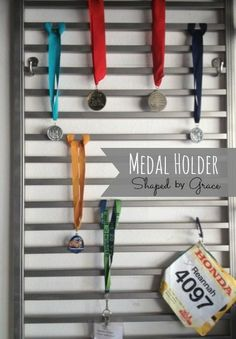 Old crib rail, painted and made in to a medal display! Shaped By Grace: Medal Display. I need this for my swimming medals:) Trophy Display, Award Display, Race Medal Displays, Display Medals, Runner Medal Display, Medal Display Case, Medal Rack, Ribbon Display, Ideas Dormitorios